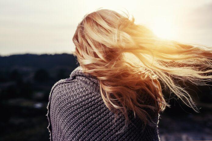 come-curare-capelli-decolorati