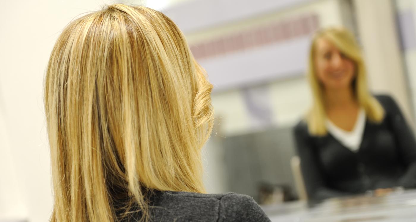 Amato Cura dei capelli con mèches: consigli utili - Consiglibenessere.org AS34
