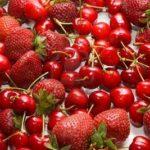 frutta-di-stagione-fragole-ciliegie