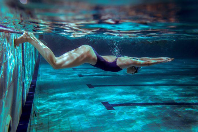 nuoto in piscina