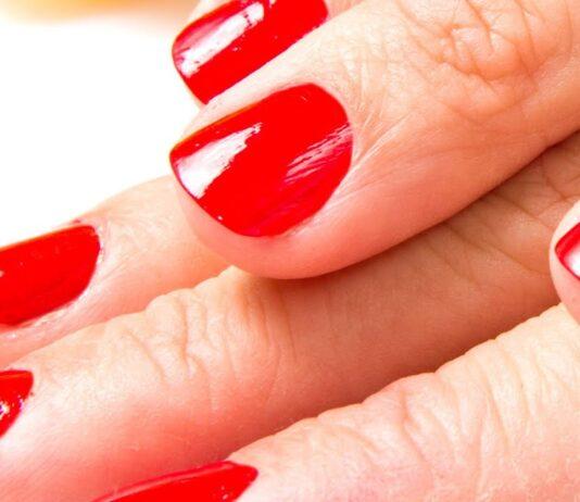 manicure unghie corte