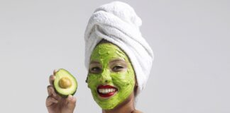 maschera viso avocado